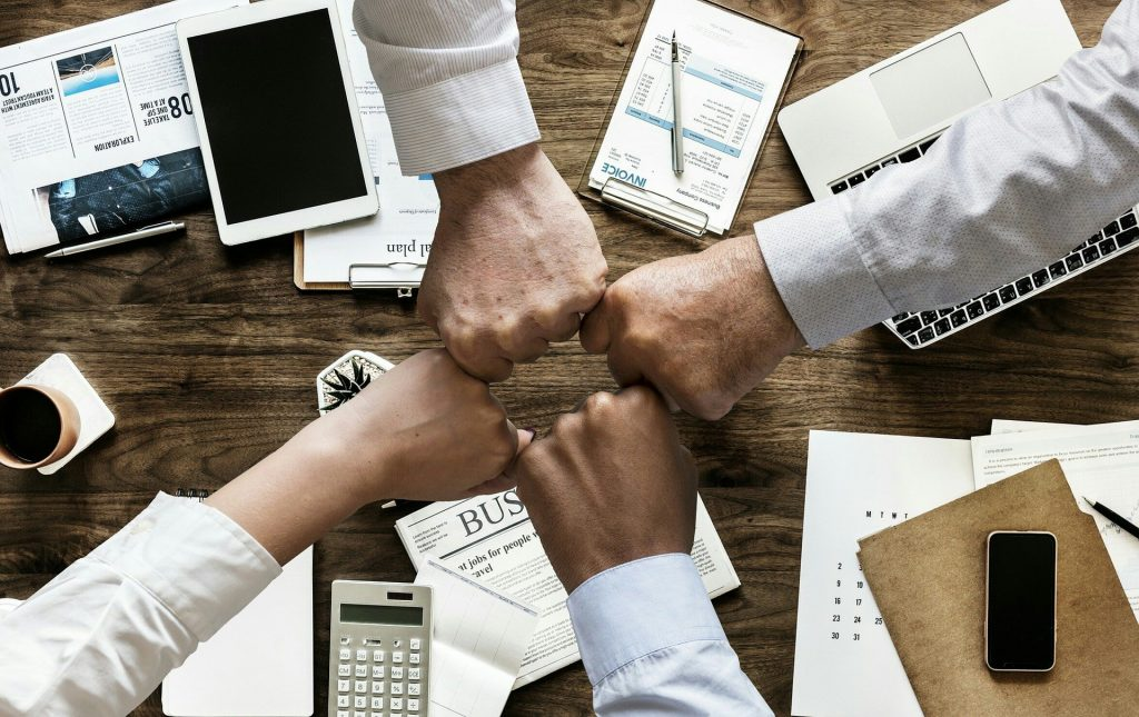 Business together Social Media marketing and SEO
